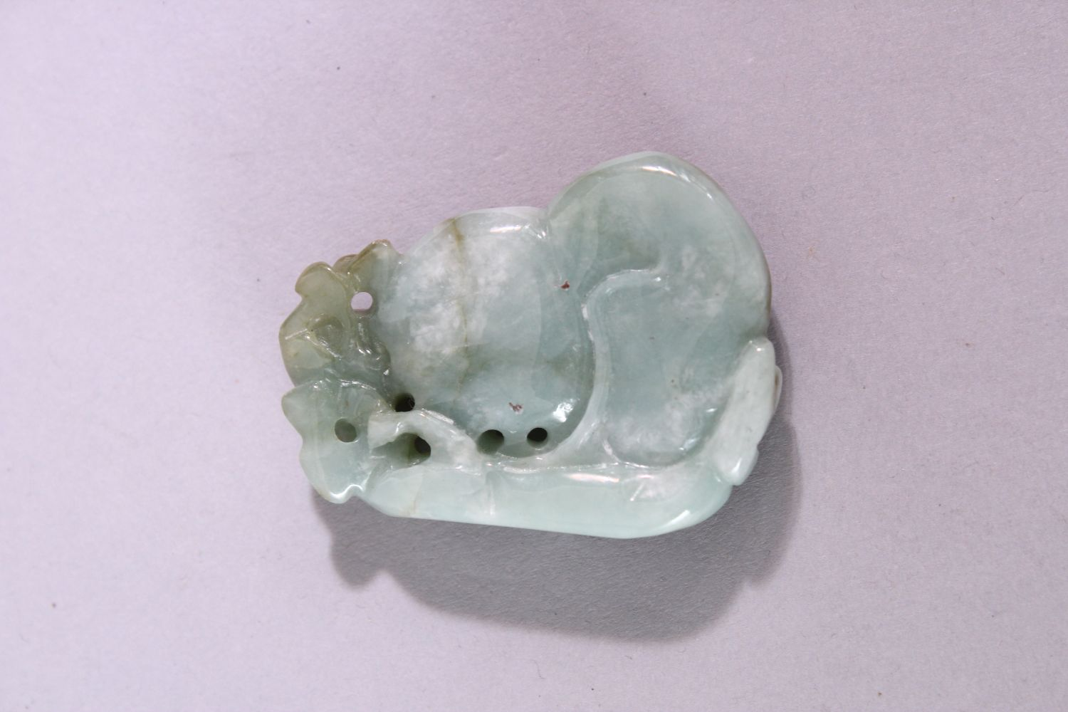 A CHINESE CARVED AND PIERCED JADE / JADITE AMULET of a guord, 5cm x 4cm. - Image 2 of 2