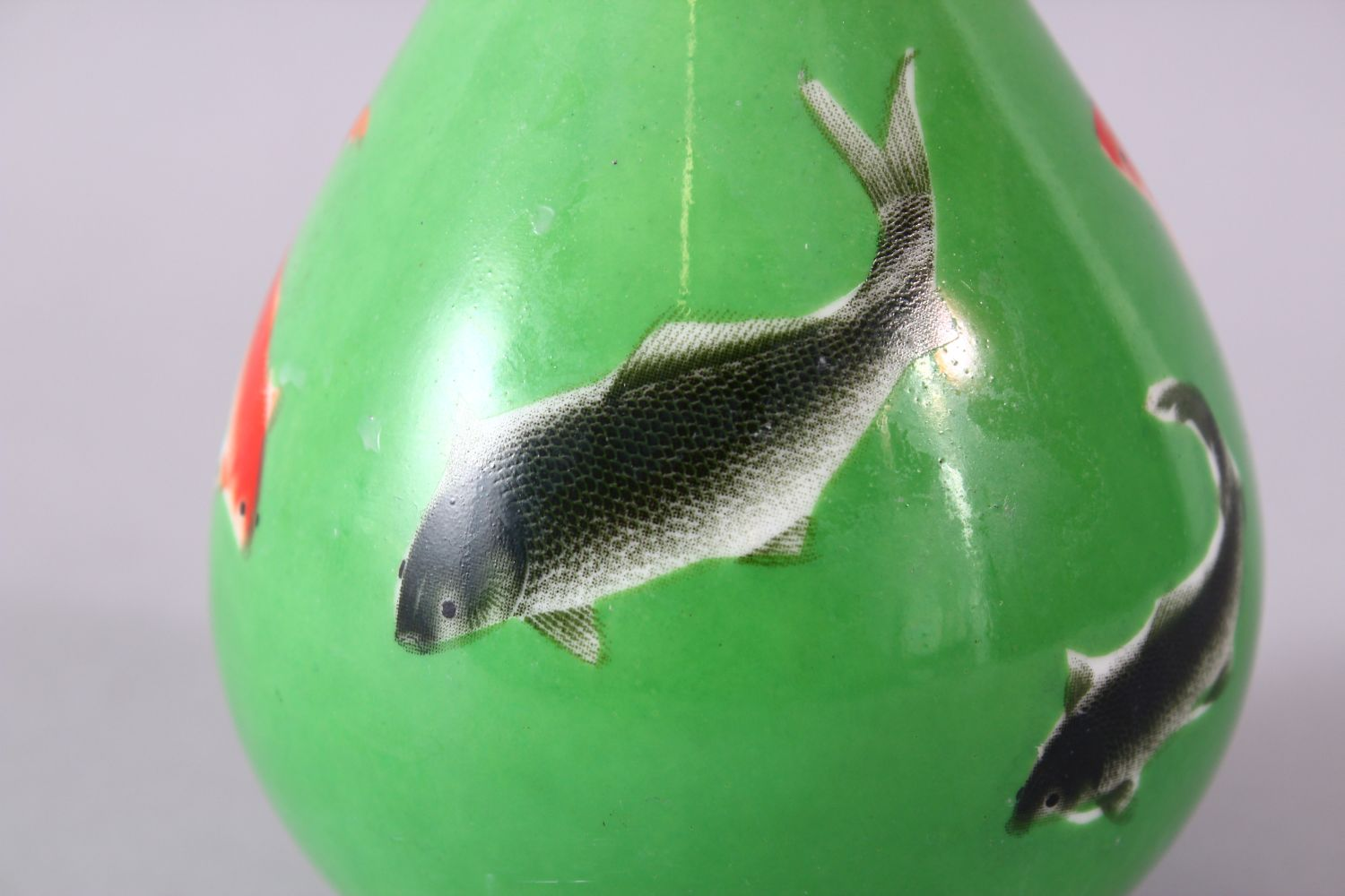 A CHINESE GREEN GLAZED VASE, painted with fish, mark in red, 15cm high. - Image 6 of 8