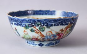 AN 18TH CENTURY CHINESE MANDARIN FAMILLE ROSE PORCELAIN BOWL, with panel decoration of figures in