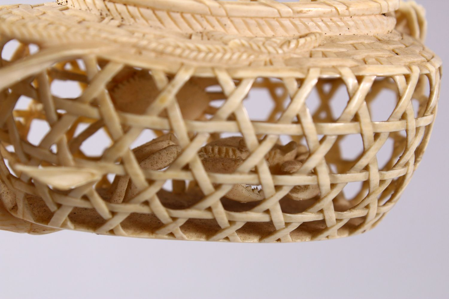 A JAPANESE MEIJI PERIOD CARVED IVORY CRAB GROUP OKIMONO - depicting a basket of crabs with three - Image 10 of 11