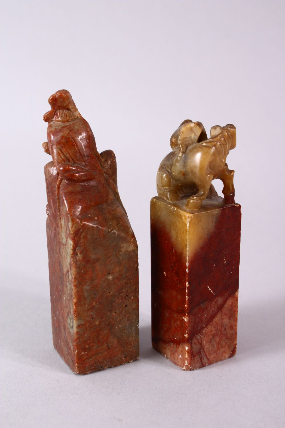 A PAIR OF 19TH / 20TH CENTURY CHINESE CARVED SOAPSTONE SEALS, one of monkeys upon horse, the other - Image 3 of 4