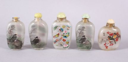 A MIXED LOT OF 5 CHINESE REVERSE PAINTED SNUFF BOTTLES, each with decoration of birds in landscape