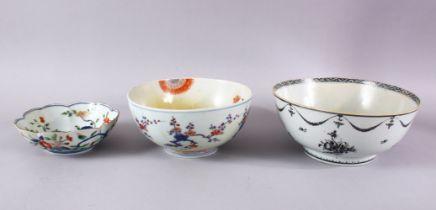 MIXED LOT OF THREE; CHINESE EXPORT BOWL - CHINESE WUCAI DISH - JAPANESE IMARI BOWL, each with