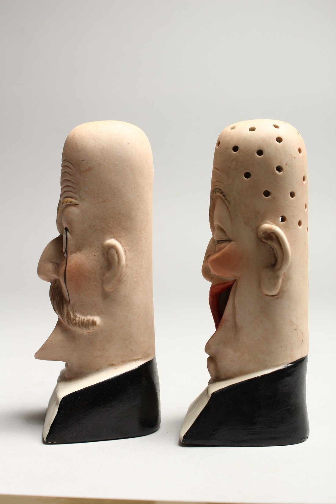 A PAIR OF POTTERY MEN'S HEADS ASHTRAYS. 5in high. - Image 2 of 5