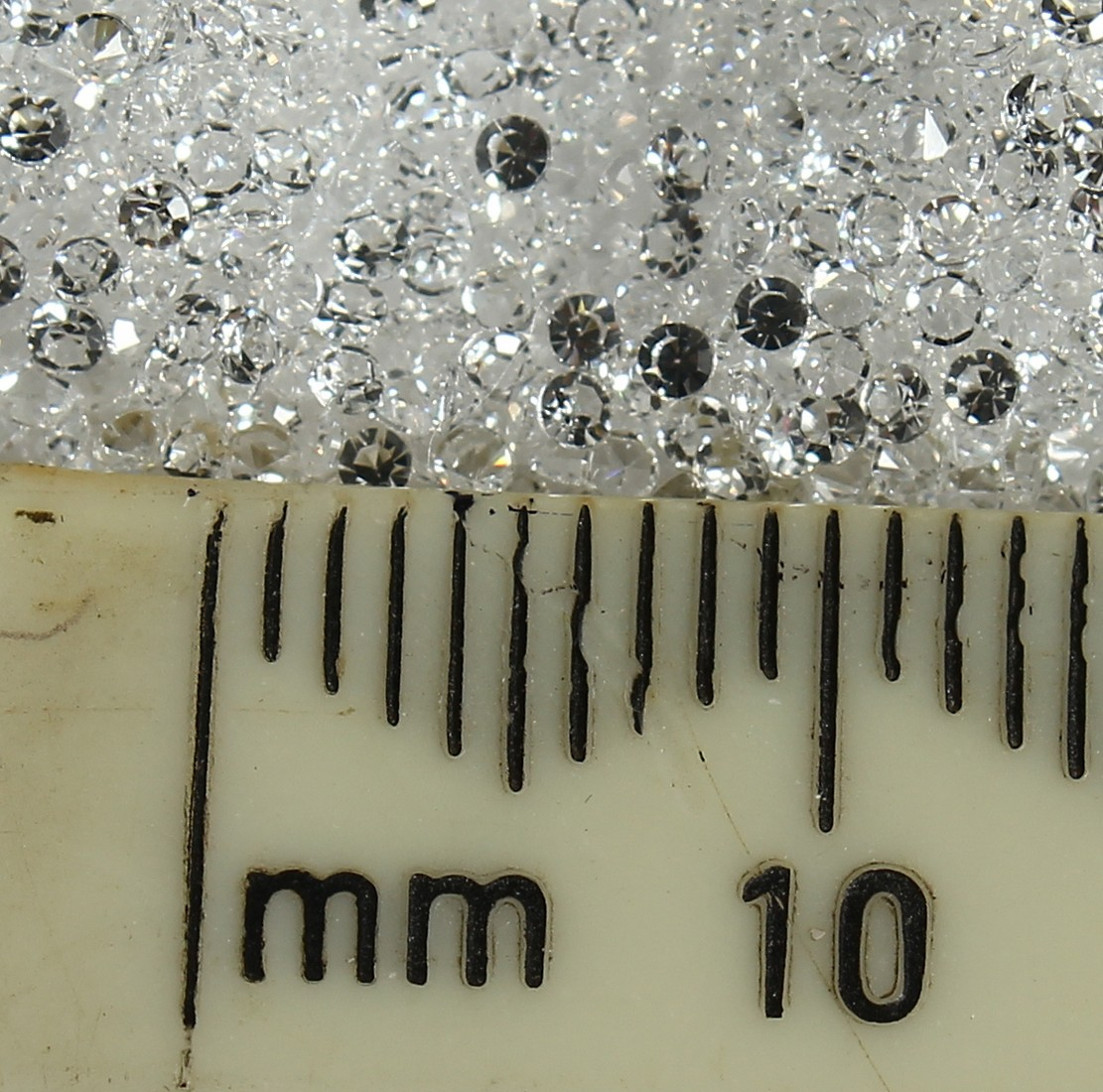THREE PACKETS OF WHITE SPINEL LOOSE STONES - Image 6 of 6