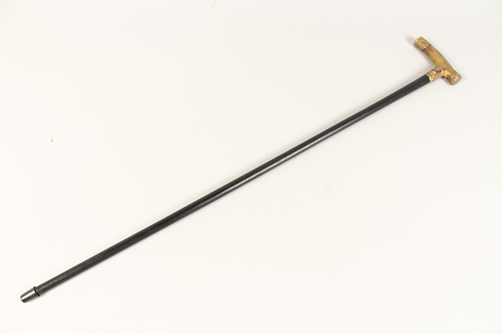 A RHINO HANDLE WALKING STICK with tablet 'R.E. HODGSON' 33ins long. - Image 7 of 7