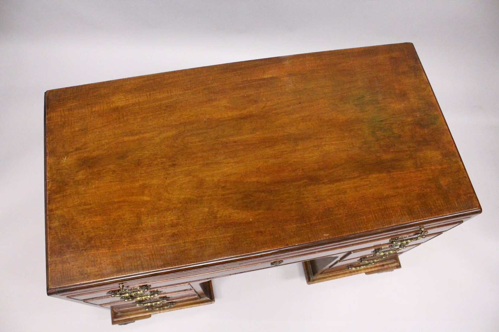 A GOOD GEORGE III MAHOGANY KNEEHOLE DESK, with plain top, brushing slide end on long drawer, three - Image 3 of 7