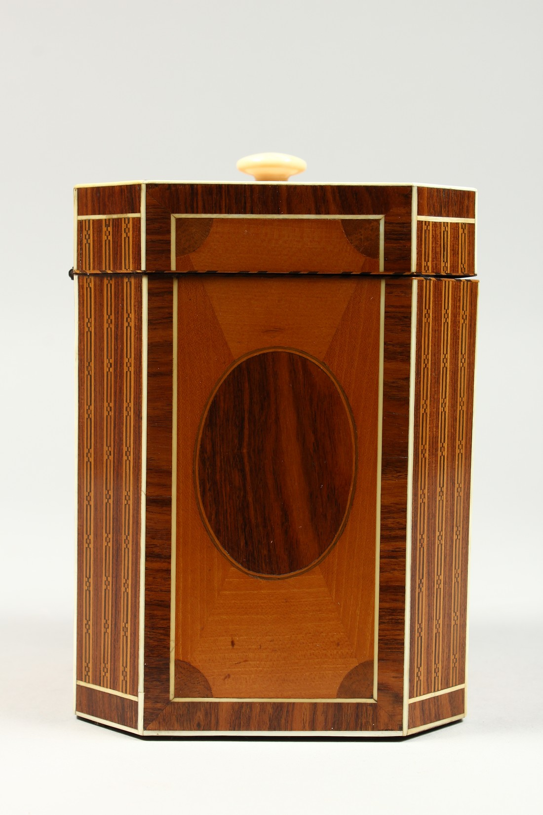 A SUPERB GEORGE III SATINWOOD BANDED TEA CADDY with rosewood and ivory canted corners and ivory - Image 3 of 9