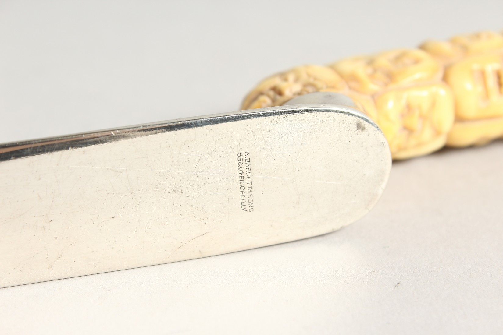 A SILVER LETTER OPENER with carved bone Chinese handles. 10 ins long, London 1804. - Image 8 of 9