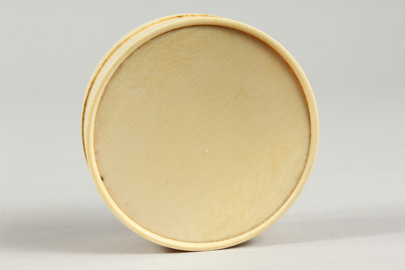 A GEORGIAN IVORY CIRCULAR BOX, the top painted with a portrait of a young lady in a plumed hat. 3ins - Image 7 of 8