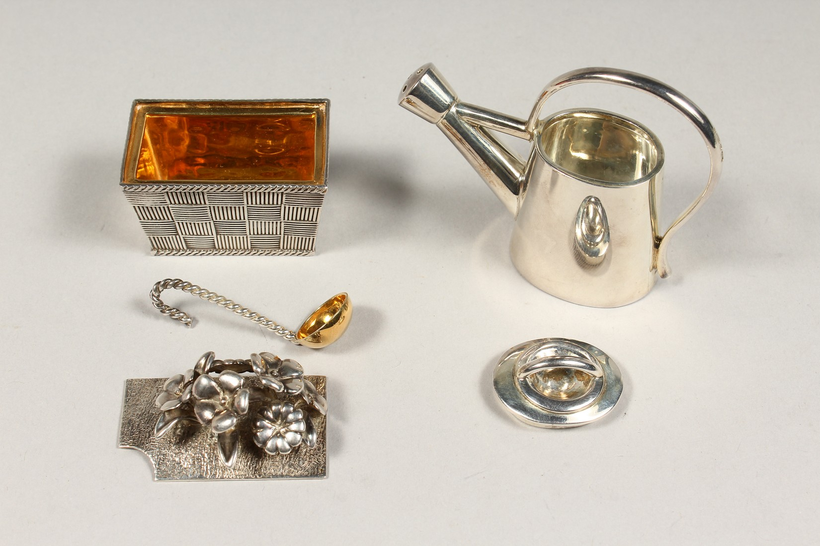 A THISTLE AND BEE SILVER BOX AND WATERING CAN - Image 2 of 5