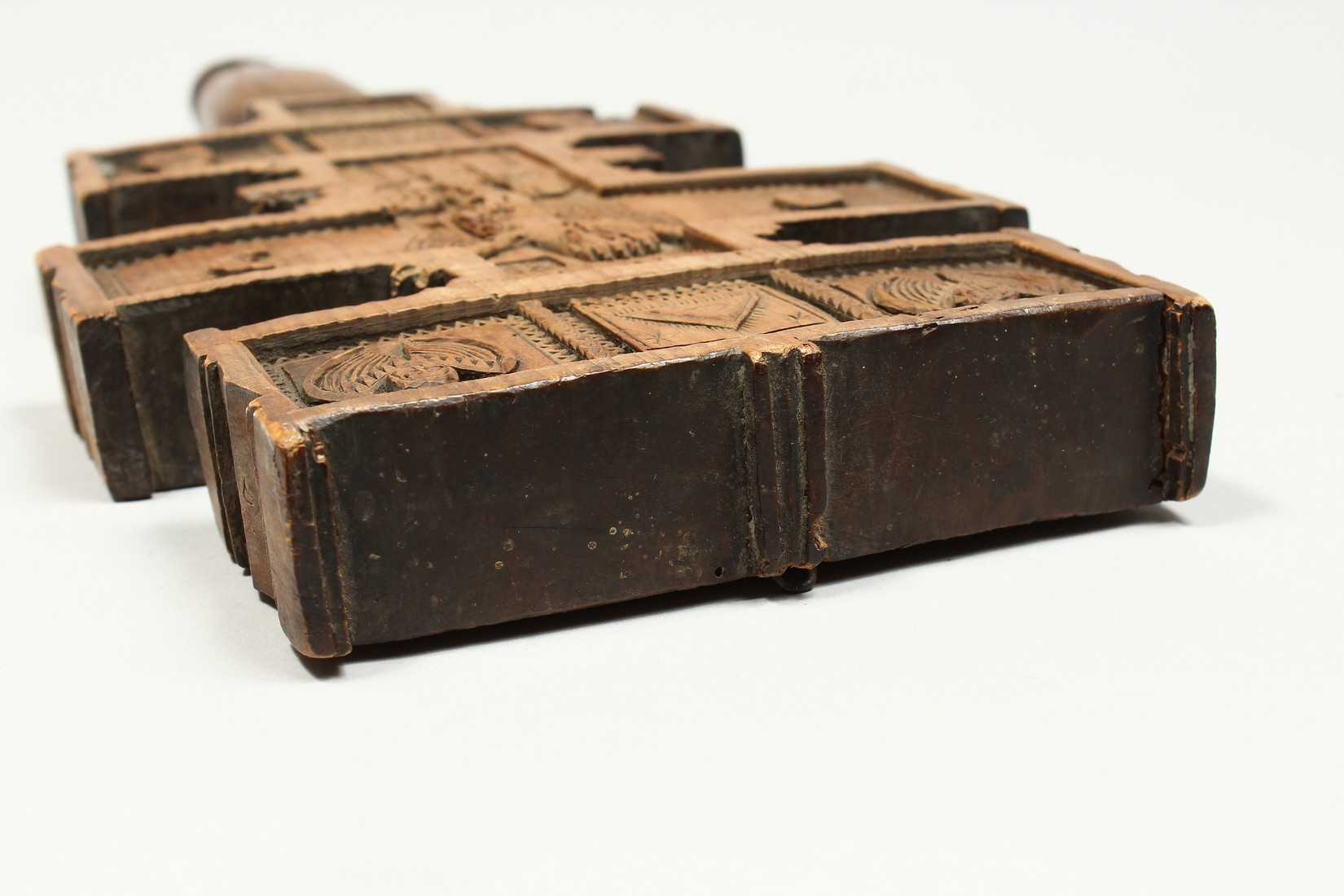 AN 18TH CENTURY GREEK CARVED WOODEN CROSS. 15ins long. - Image 11 of 11