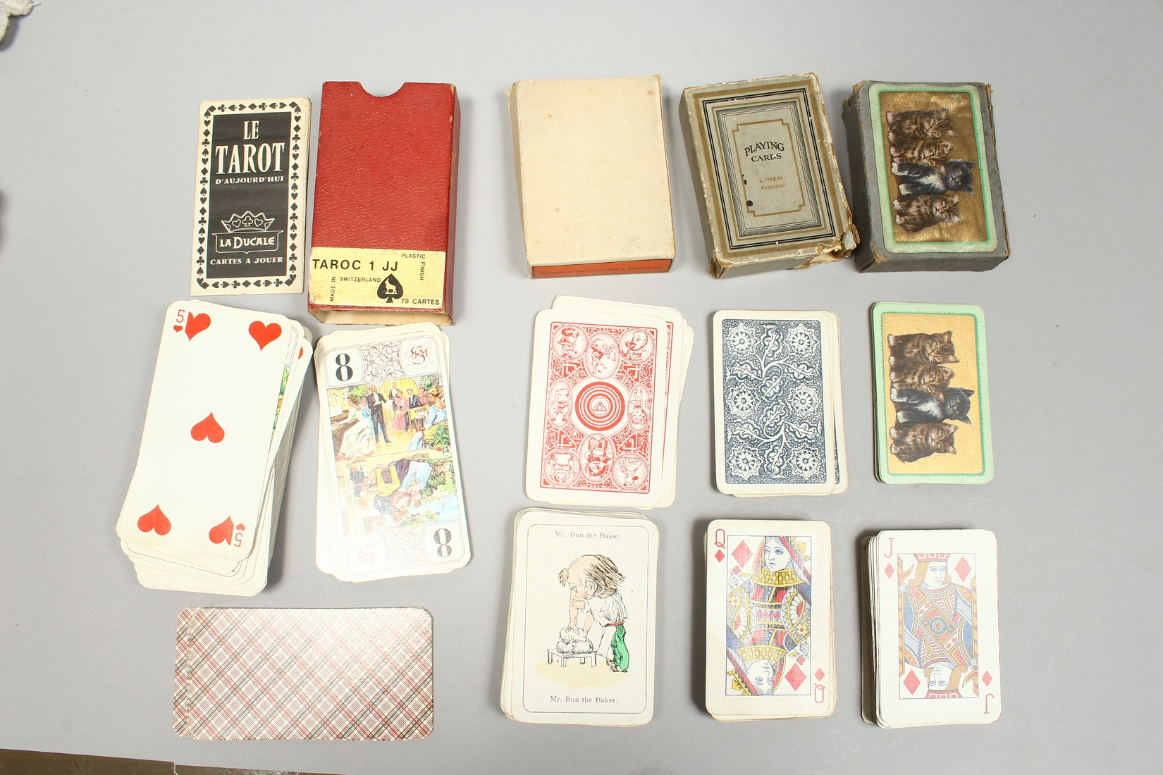 A COLLECTION OF VARIOUS PLAYING CARDS. - Image 15 of 16