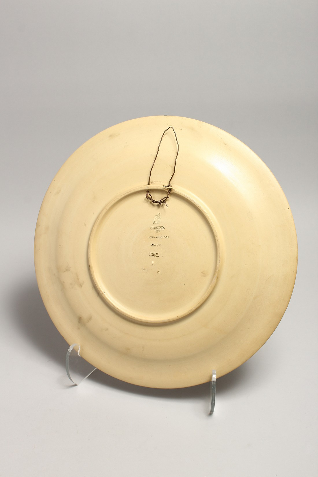 A GOOD METTLACH POTTERY CHARGER. NO. 1048 15.5ins diameter. - Image 2 of 3