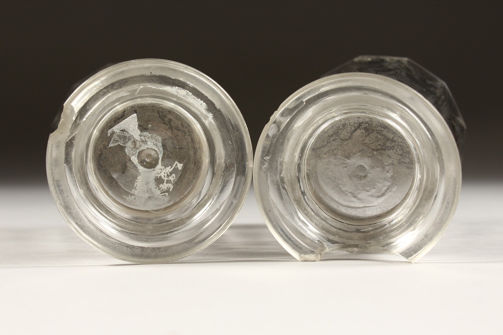 A GOOD PAIR OF BOHEMIAN GLASS TWELVE SIDED BEAKERS, painted with Turkish figures, scrolls and birch. - Image 5 of 5