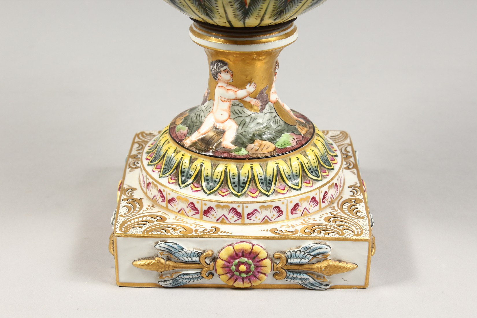 A SUPERB LARGE CAPODIMONTE TWO HANDLED URN SHAPE VASE AND COVER with gilt ground, with classical - Image 2 of 17