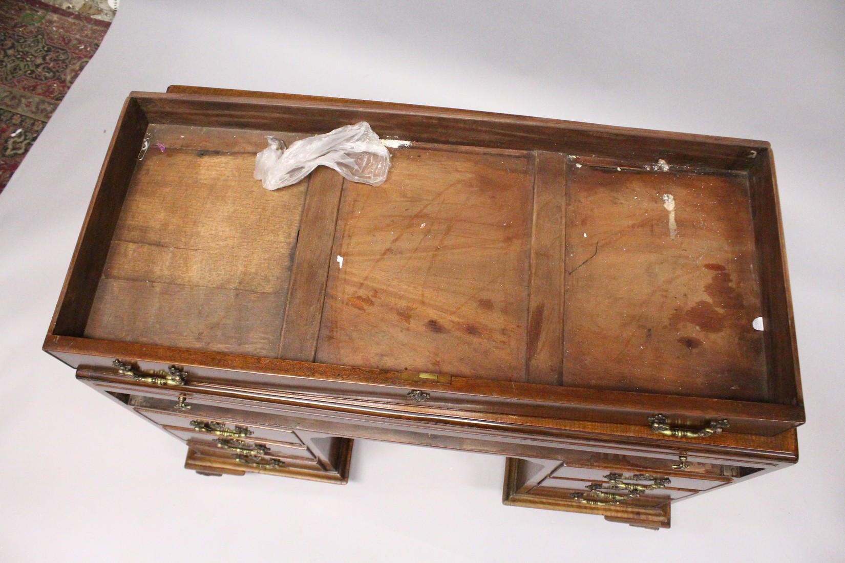 A GOOD GEORGE III MAHOGANY KNEEHOLE DESK, with plain top, brushing slide end on long drawer, three - Image 4 of 7