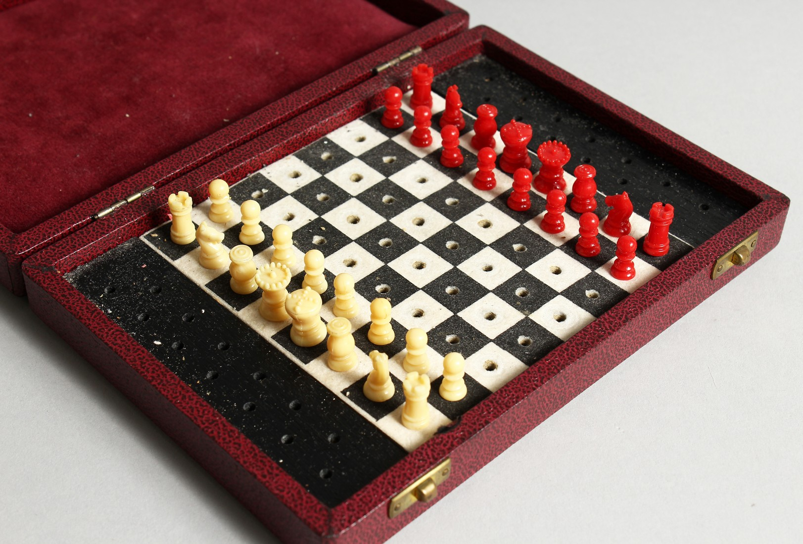 A TRAVELLING CHESS SET
