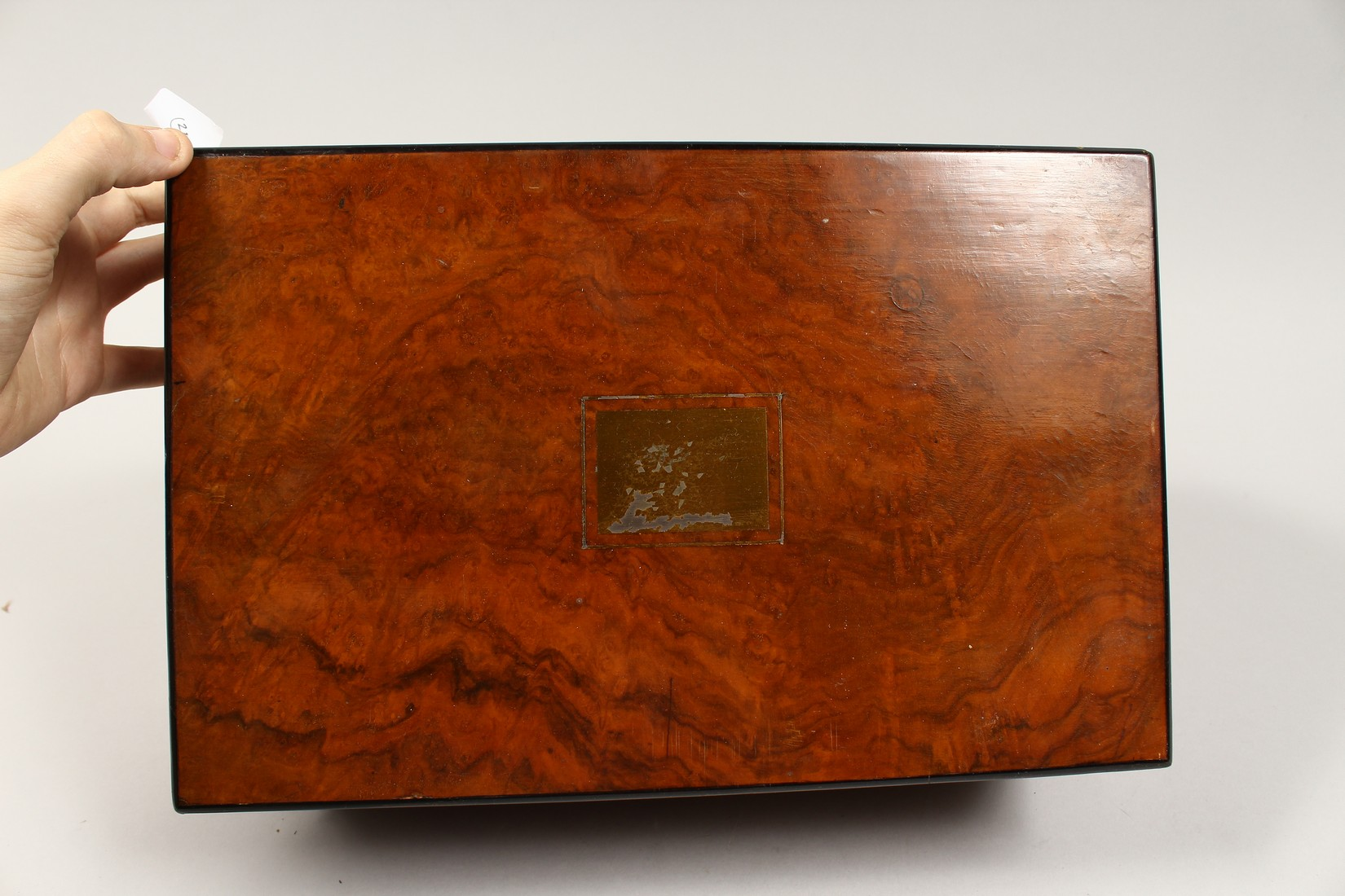 A VICTORIAN WALNUT FOLDING TABLE DESK with green velvet writing panel. 14ins long. - Image 5 of 8