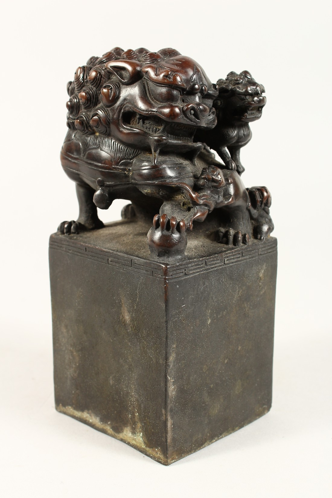 A CHINESE BRONZE DOG OF FO SQUARE SEAL 7.5ins high. - Image 2 of 5