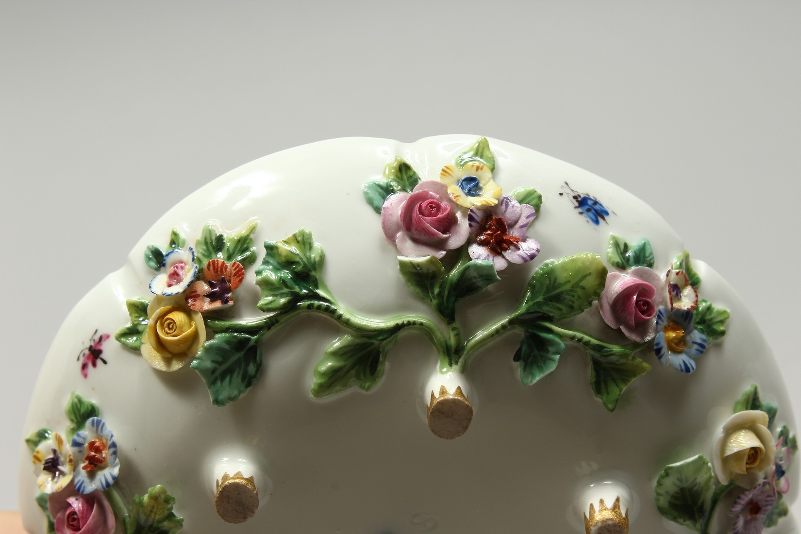 TWO MEISSEN PORCELAIN CUPS AND SAUCERS AND A SAUCER, encrusted with flowers and painted with - Image 14 of 16