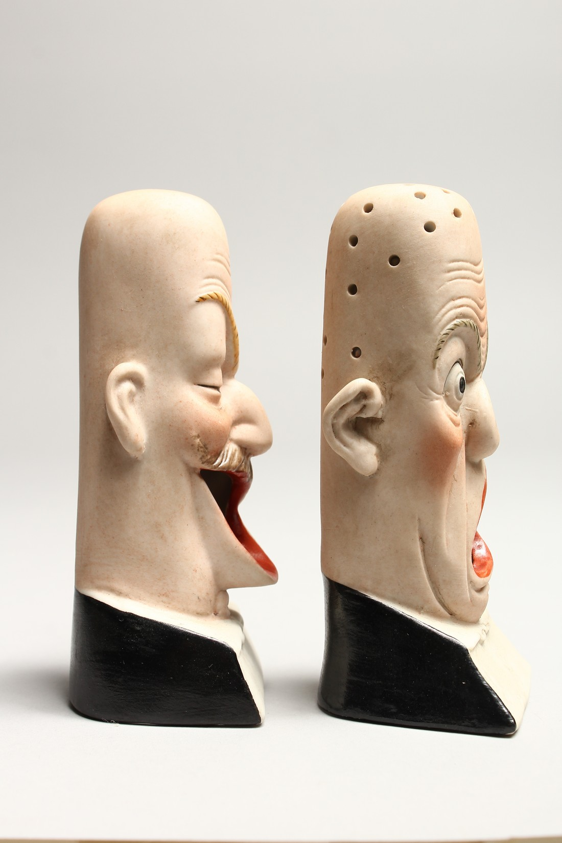 A PAIR OF POTTERY MEN'S HEADS ASHTRAYS. 5in high. - Image 4 of 5