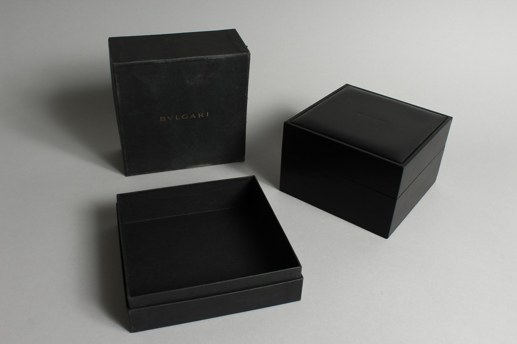 AN 18CT. GOLD BULGARI WRIST WATCH with leather strap, in original box. - Image 6 of 10