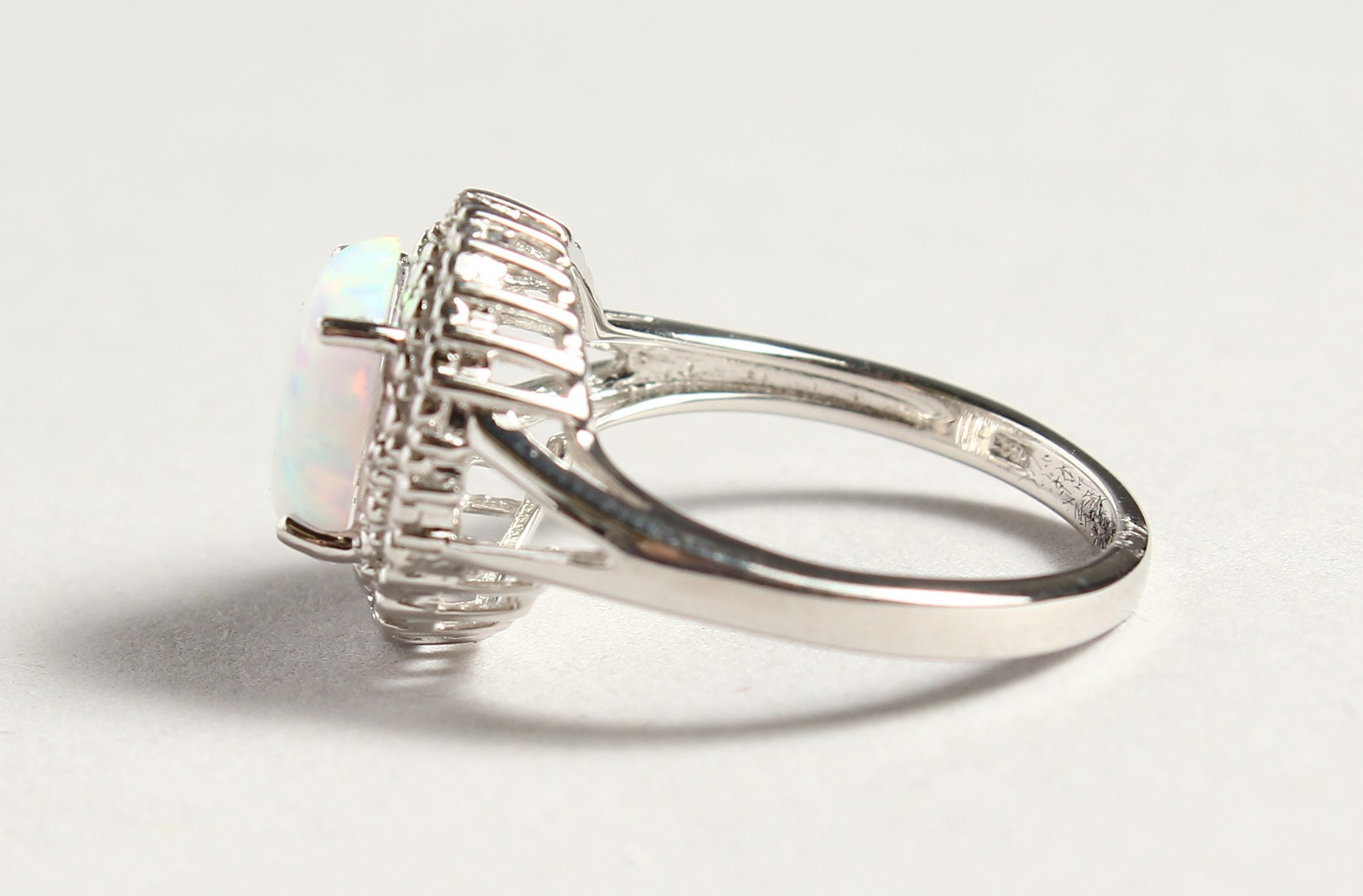A SILVER OPALITE AND DIAMOND CLUSTER RING - Image 3 of 6