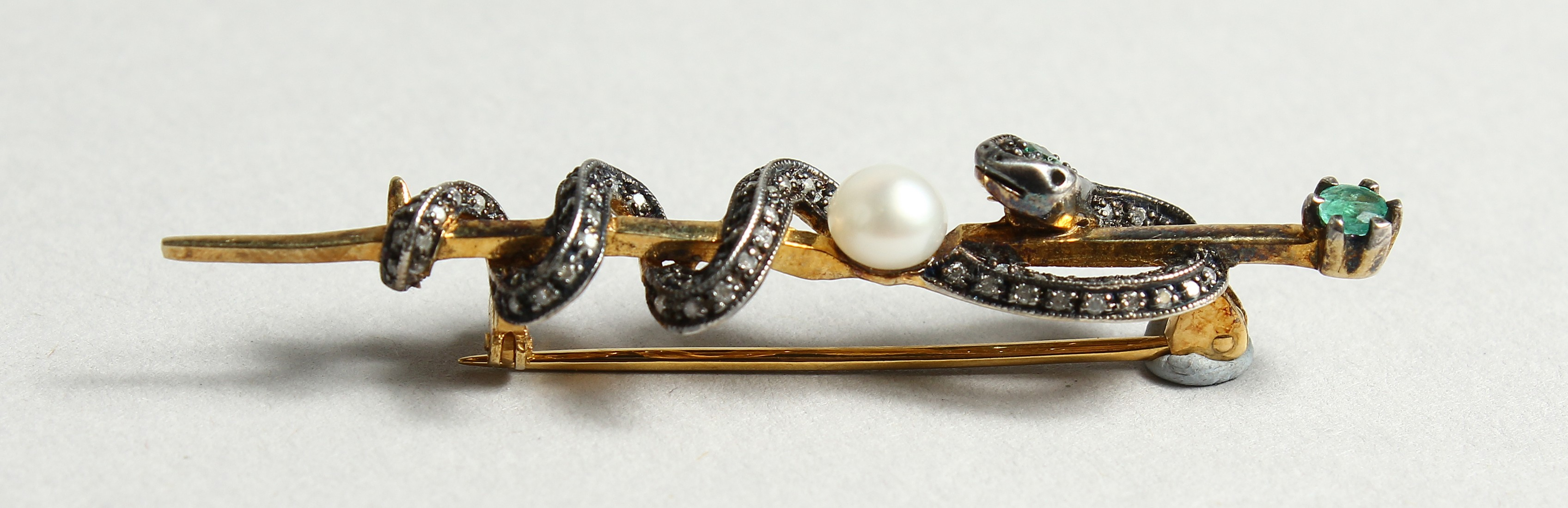 A DIAMOND AND PEARL SNAKE TIE PIN (Harrods) - Image 2 of 5