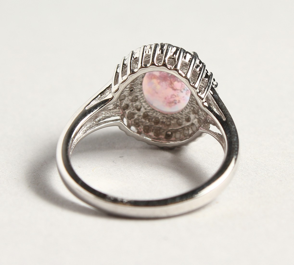 A SILVER OPALITE AND DIAMOND CLUSTER RING - Image 5 of 6