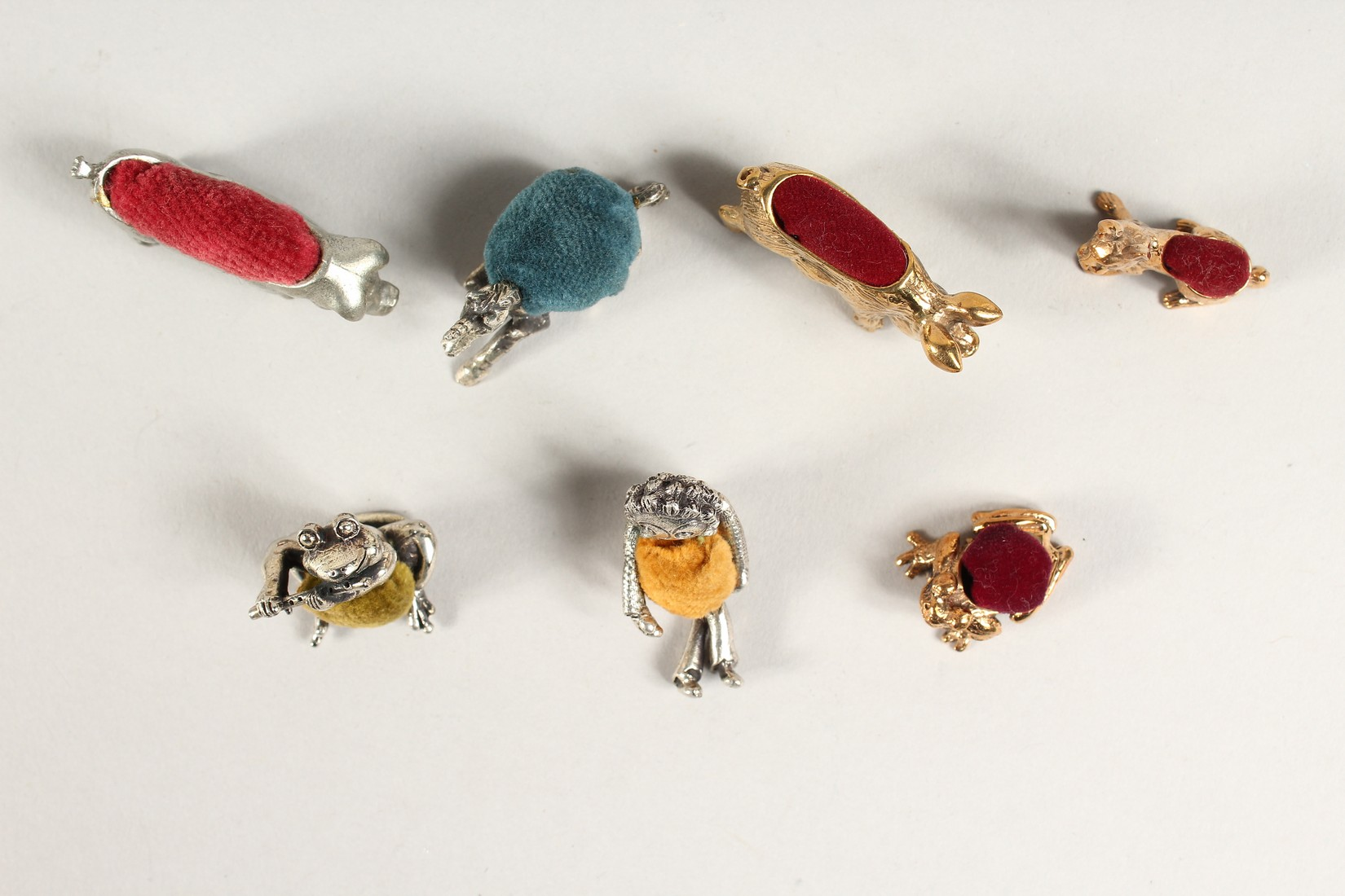 A COLLECTION OF 7 METAL PIN CUSHIONS - Image 2 of 2