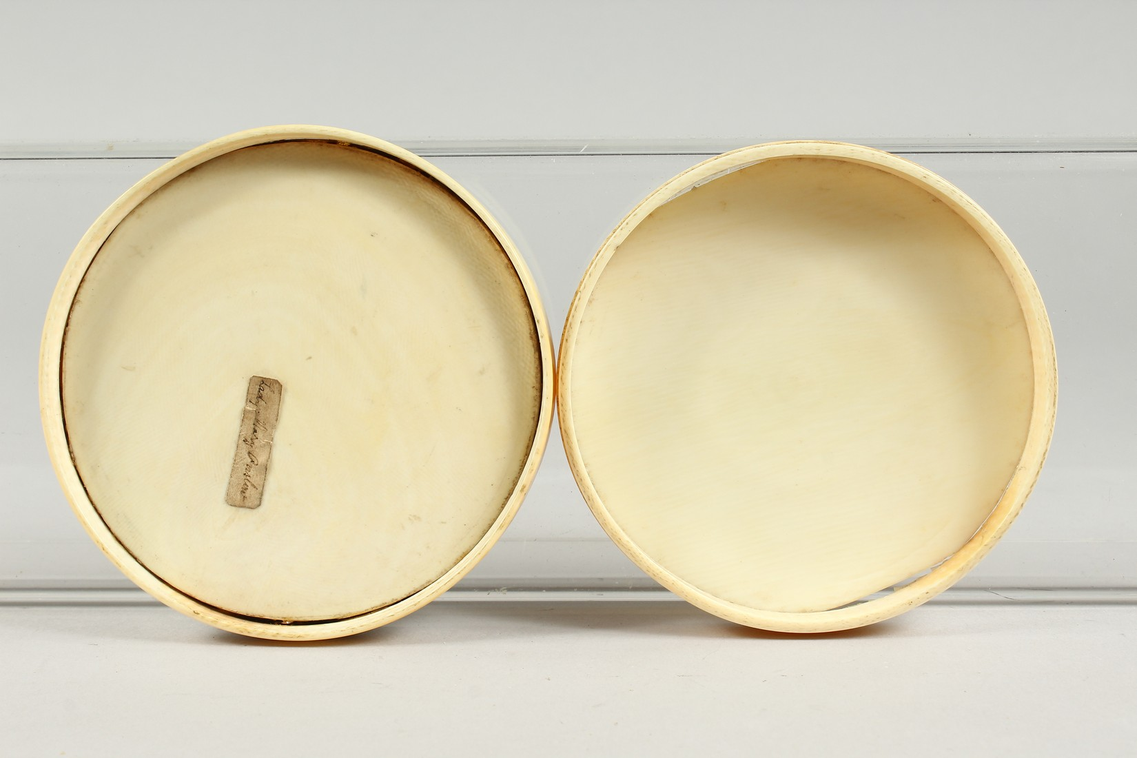 A GEORGIAN IVORY CIRCULAR BOX, the top painted with a portrait of Lady Mary Onslow. 3.75ins - Image 8 of 8