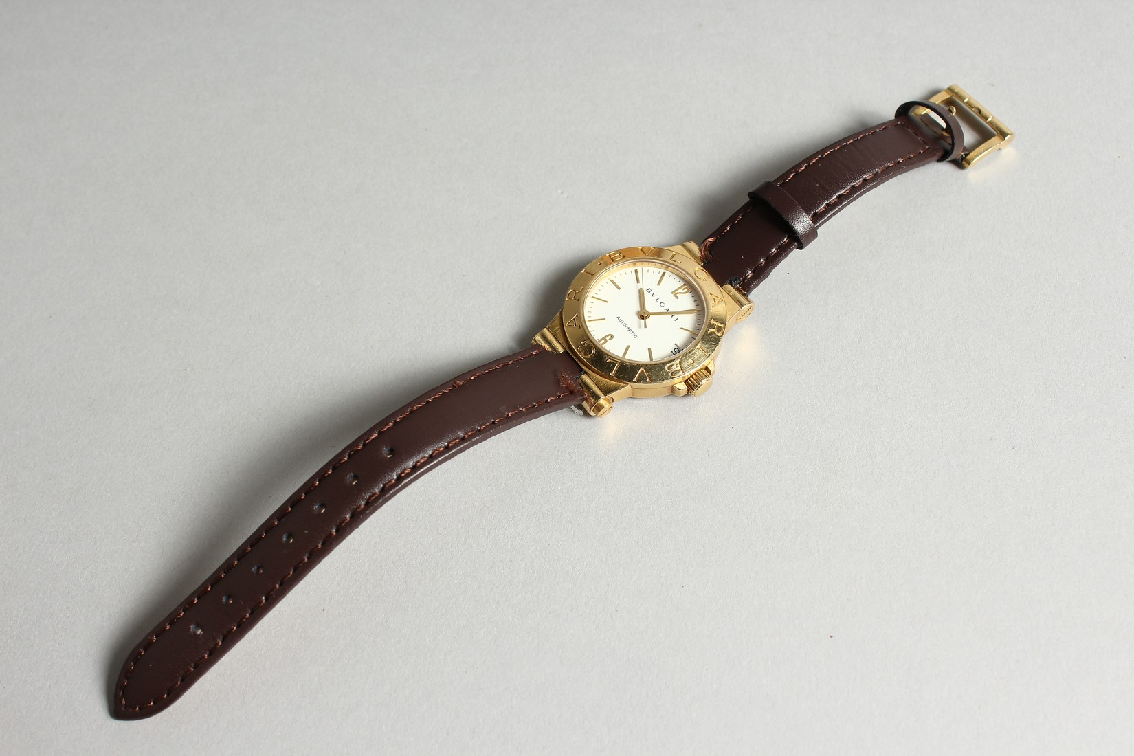 AN 18CT. GOLD BULGARI WRIST WATCH with leather strap, in original box. - Image 3 of 10