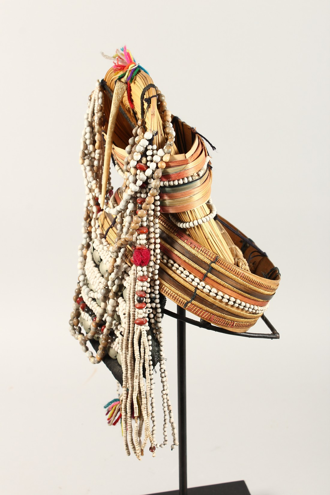 A PERUVIAN HEADRESS AND STAND - Image 5 of 6