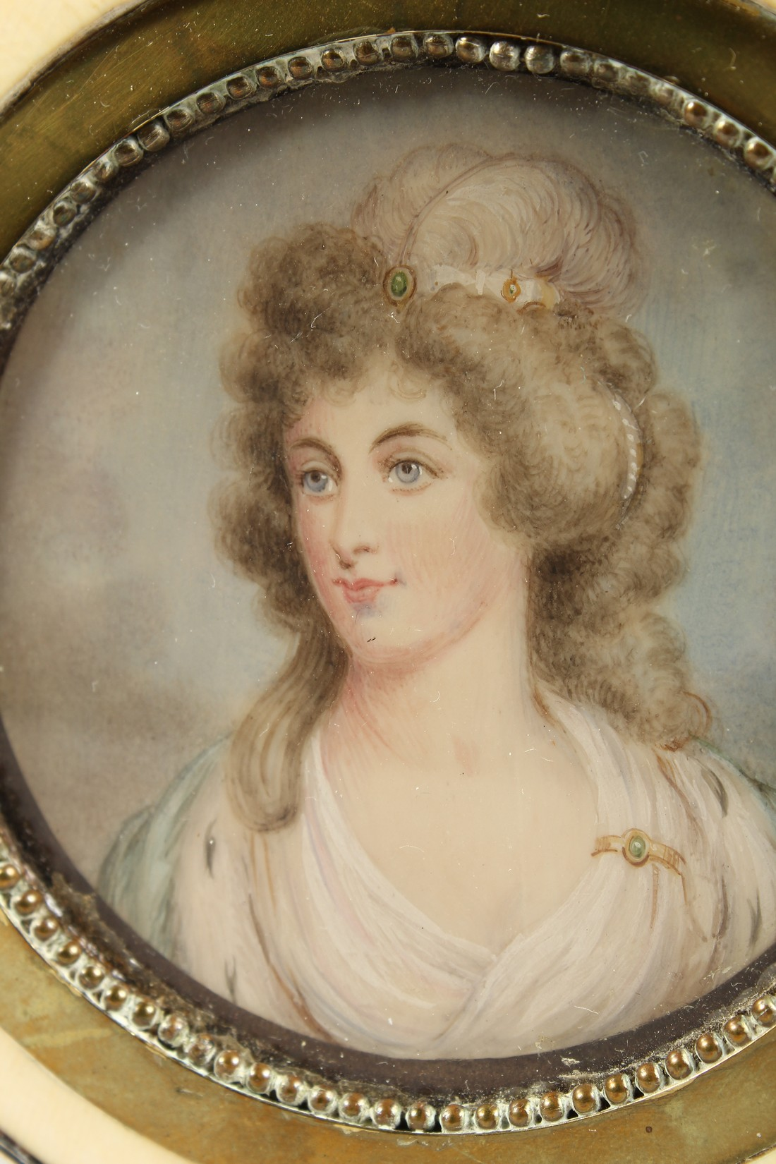 A GEORGIAN IVORY CIRCULAR BOX, the top painted with a portrait of Lady Mary Onslow. 3.75ins - Image 2 of 8