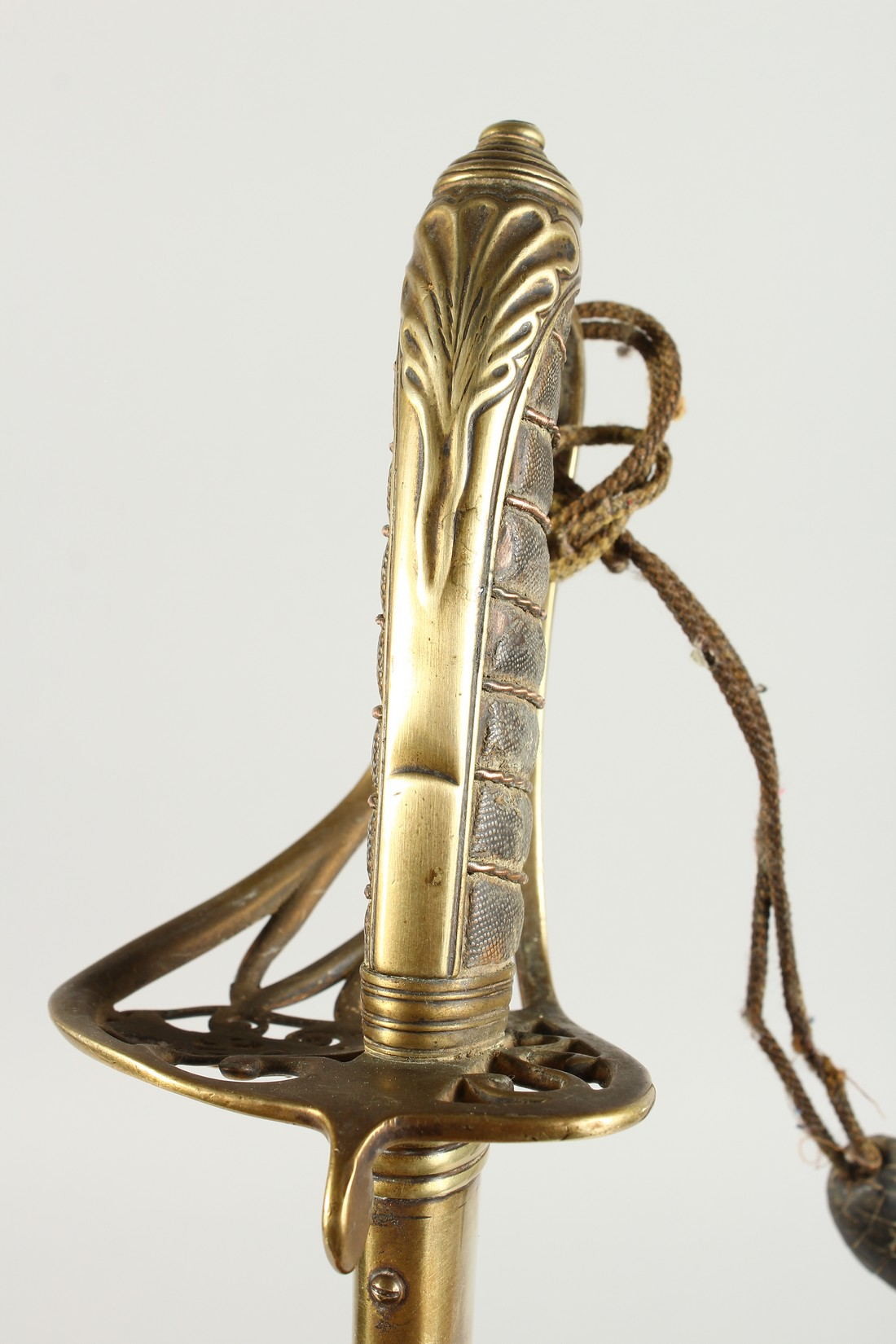 A GOOD VICTORIAN NAVAL SWORD with shagreen handle and engraved blade, V R & Crown inc., brown - Image 6 of 25