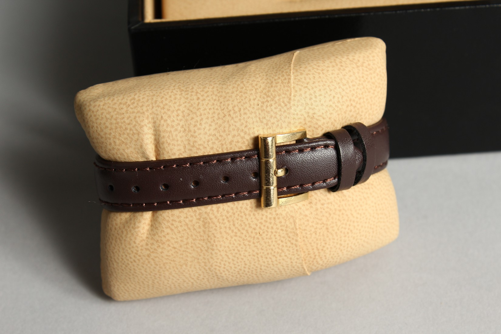 AN 18CT. GOLD BULGARI WRIST WATCH with leather strap, in original box. - Image 9 of 10