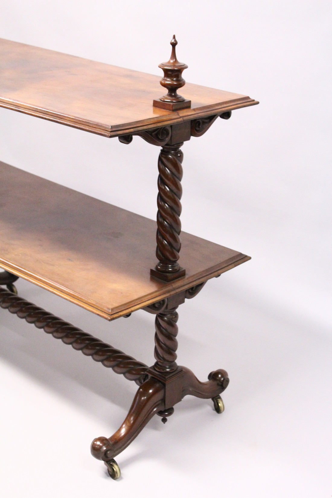 A GOOD VICTORIAN MAHOGANY TWO TIER DUMB WAITER with barley twist support on curving legs with - Image 2 of 3
