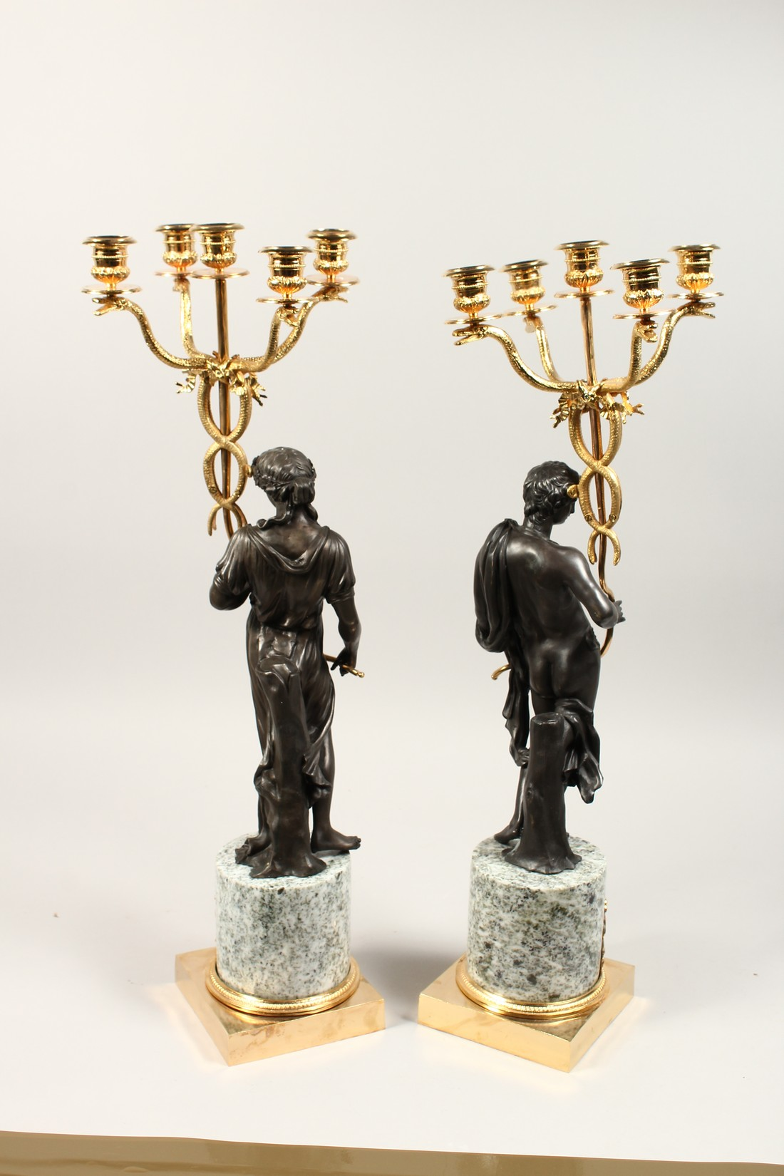 A LARGE PAIR OF THOMAS HOPE DESIGN, ORMOLU AND BRONZE CLASSICAL CANDLESTICKS with a pair of - Image 4 of 5