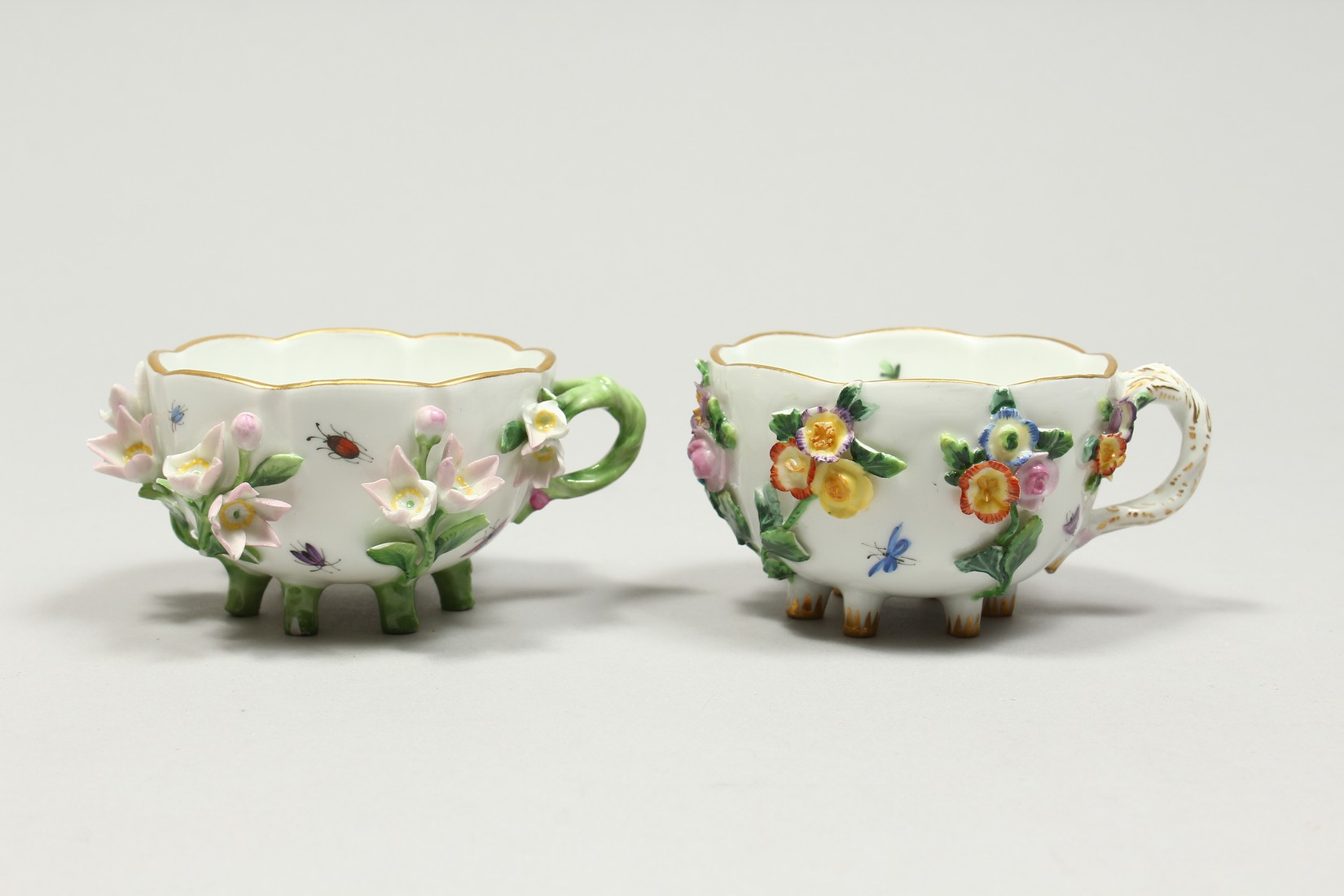 TWO MEISSEN PORCELAIN CUPS AND SAUCERS AND A SAUCER, encrusted with flowers and painted with - Image 4 of 16