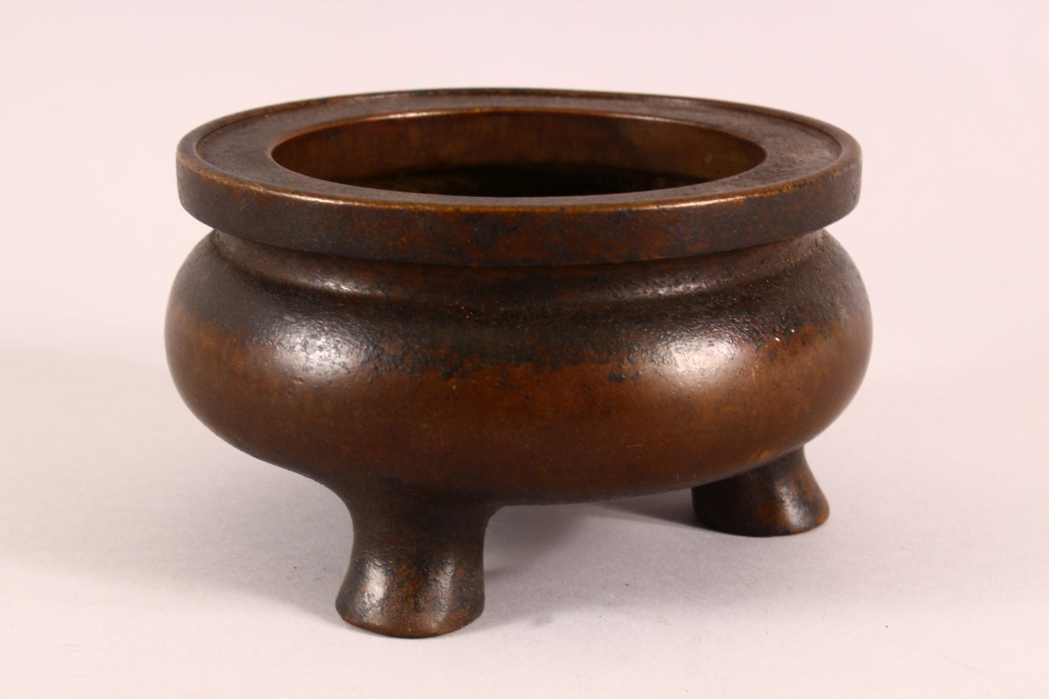 A CHINESE XUANDE STYLE BRONZE TRIPOD CENSER, underside with a mark, 16cm - Image 2 of 7
