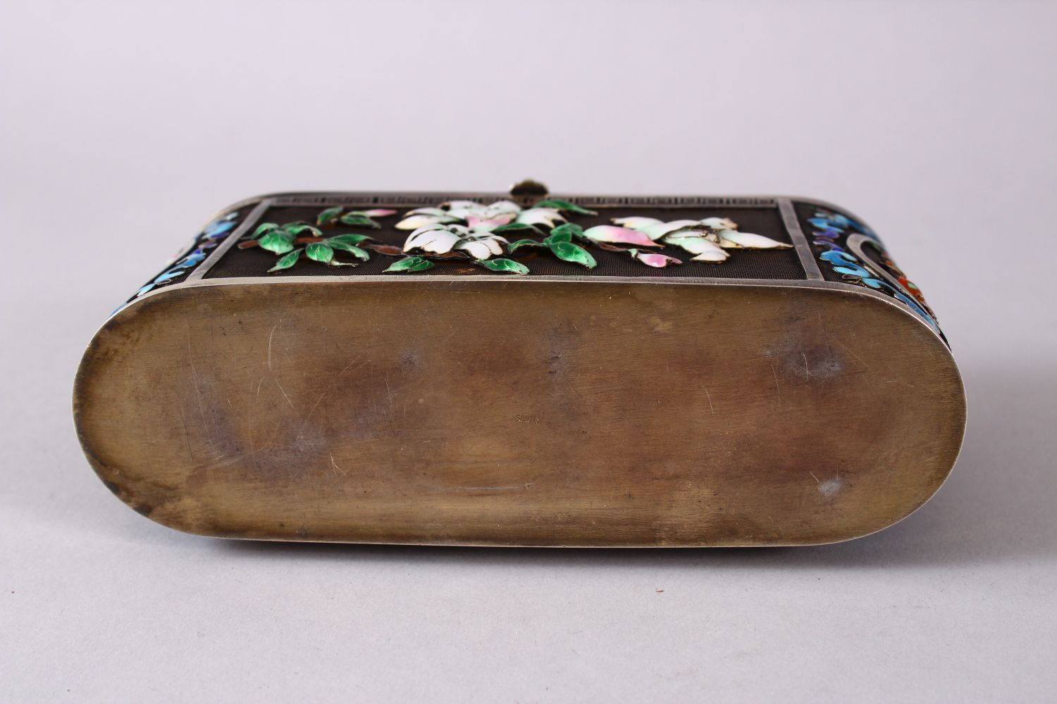 A CHINESE SILVER & ENAMEL LIDDED BOX, with enamel decoration of native flora, base marked silver, - Image 9 of 10