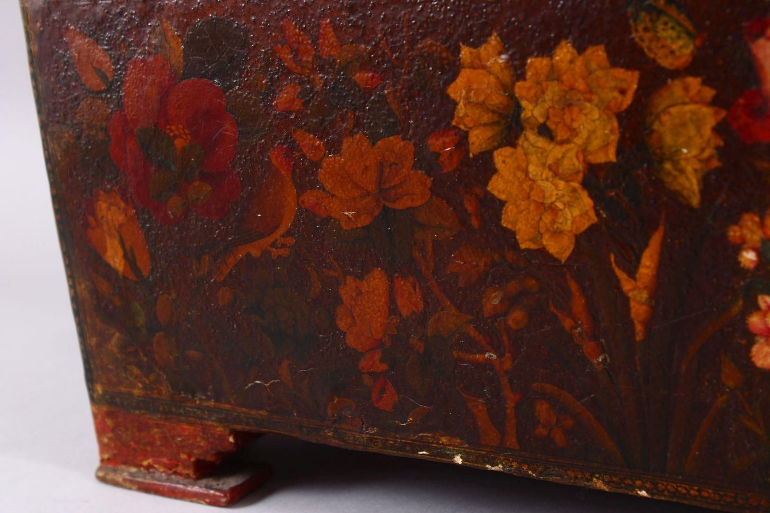 A GOOD PERSIAN QAJAR LACQUER PAINTED LIDDED BOX, decorated to the exterior with birds and detailed - Image 3 of 15