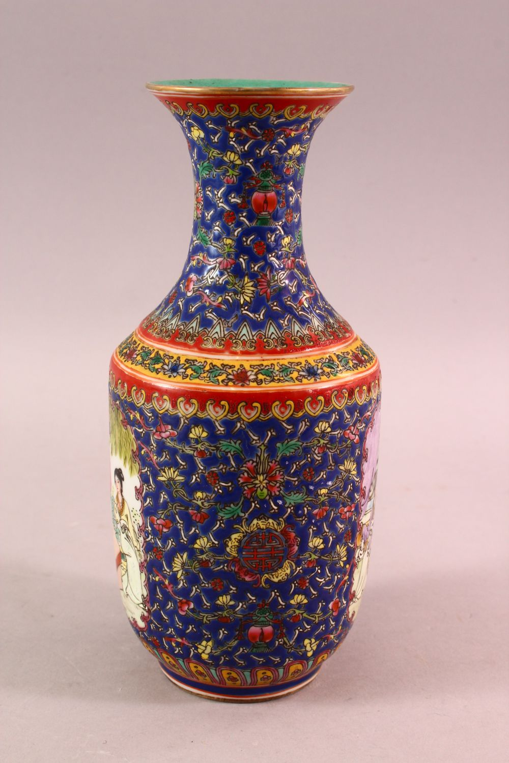 A CHINESE FAMILLE ROSE PORCELAIN VASE, with panels of figures and floral decoration, the base with a - Image 4 of 6