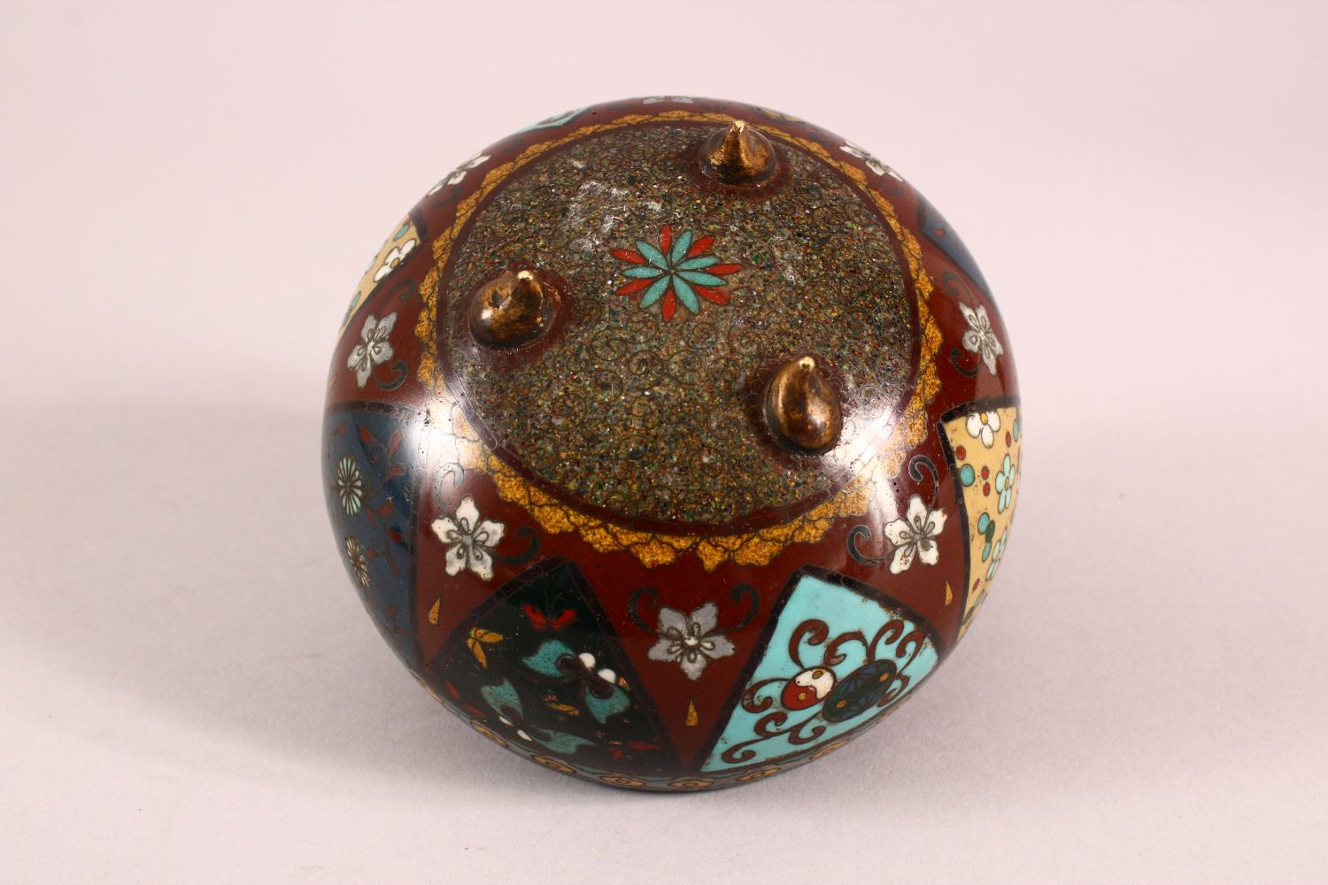 A CLOISONNE KORO AND COVER, decorated with butterflies, flowers and buddhistic emblems, on three - Image 7 of 7