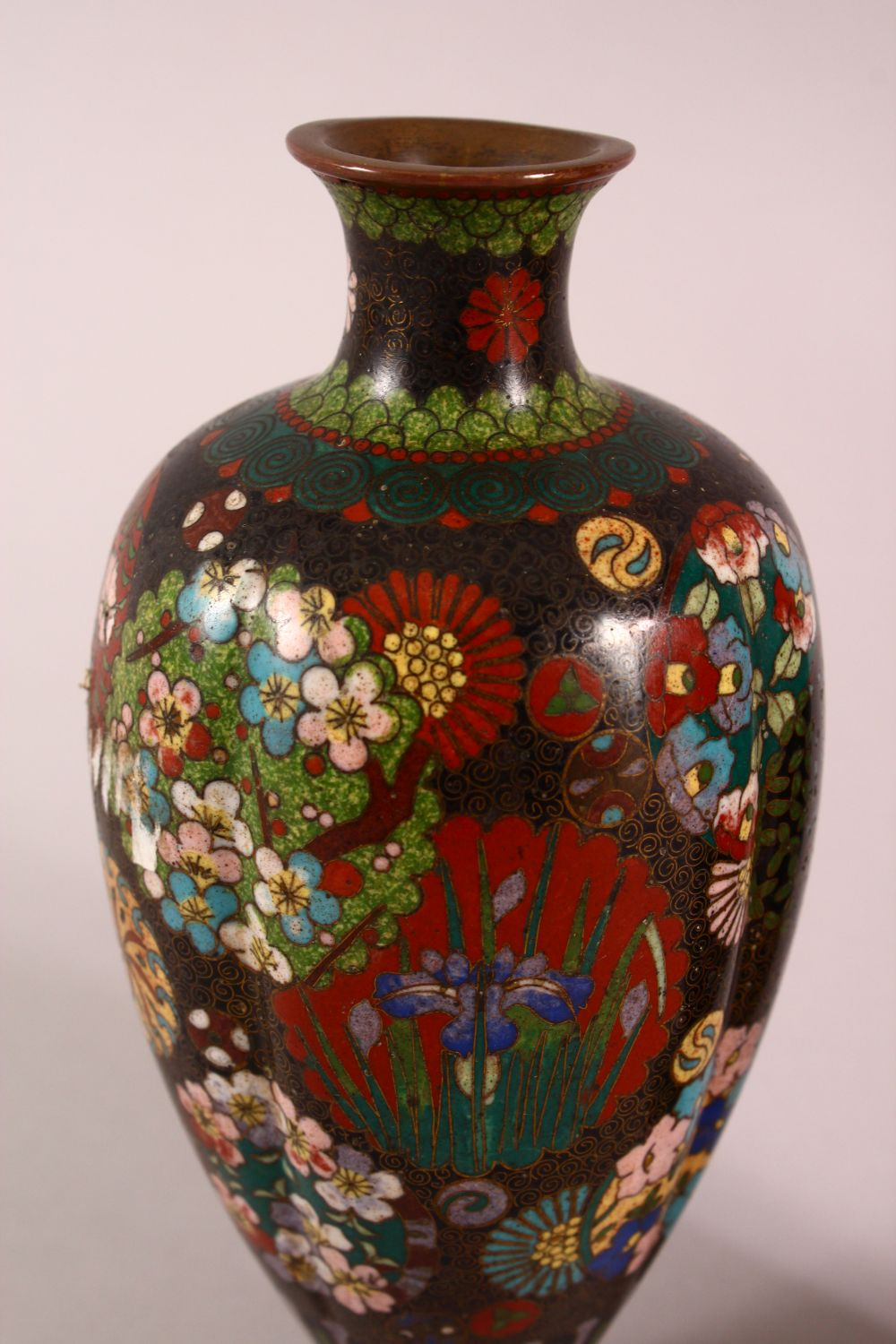 A PAIR OF SMALL CLOISONNE VASES OF RIBBED BALUSTER FORM, decorated with roundels of flowers, 15cm - Image 5 of 6