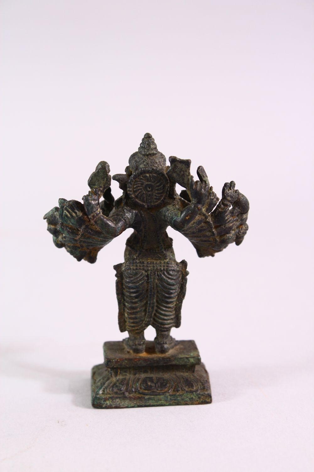 A FINE SMALL EARLY INDIAN BRONZE FIGURE OF GANESH, 7cm high. - Image 4 of 6