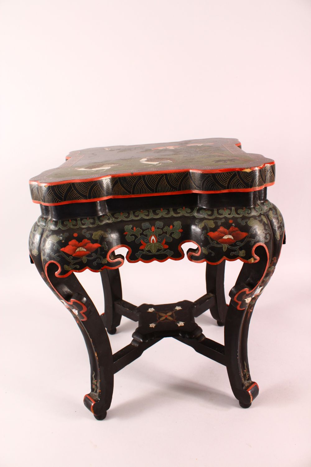 A GOOD CHINESE CARVED WOOD & LACQUER DECORATED LOW TABLE, the top with decoration of quails in - Image 5 of 6