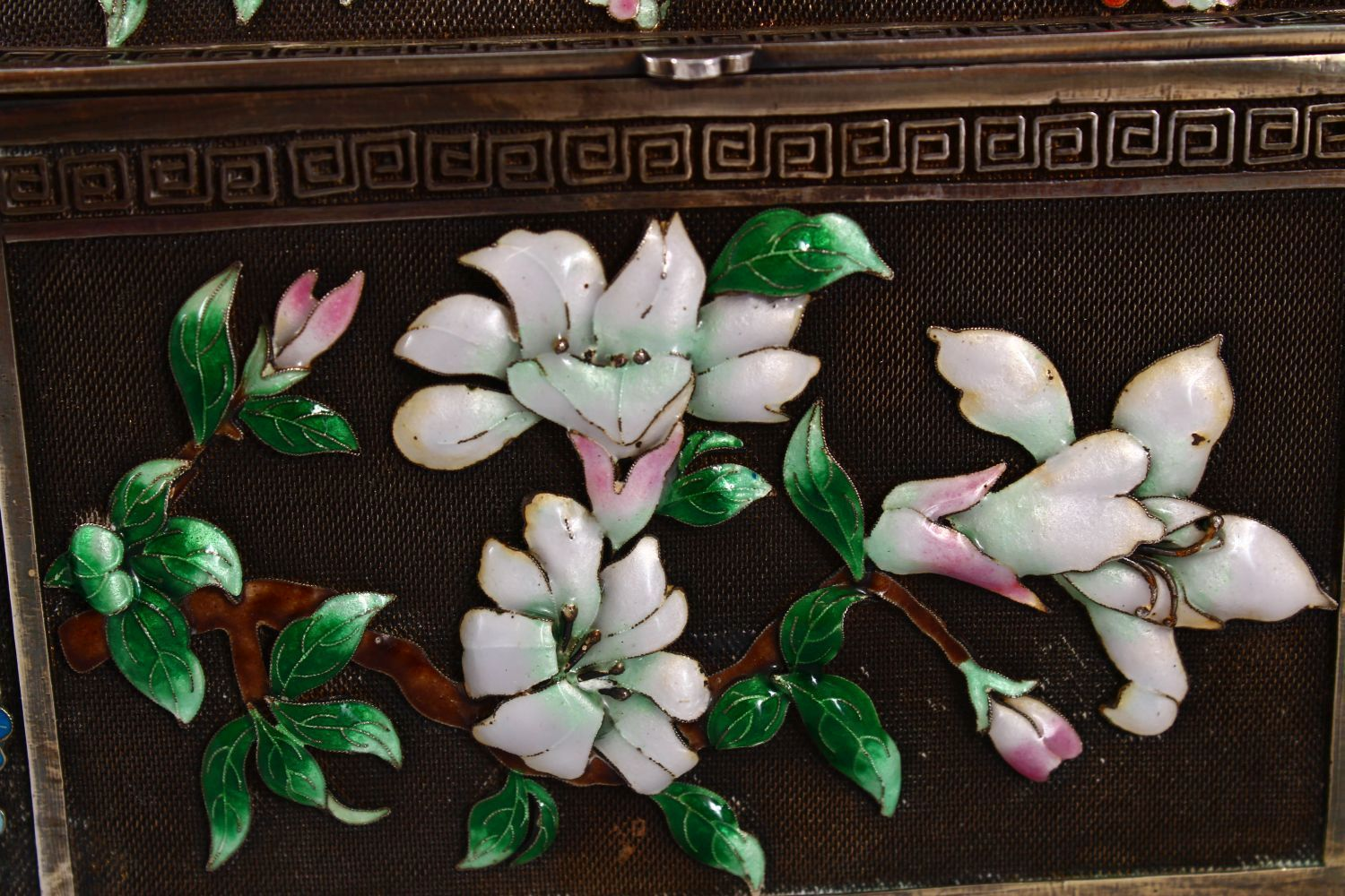 A CHINESE SILVER & ENAMEL LIDDED BOX, with enamel decoration of native flora, base marked silver, - Image 6 of 10