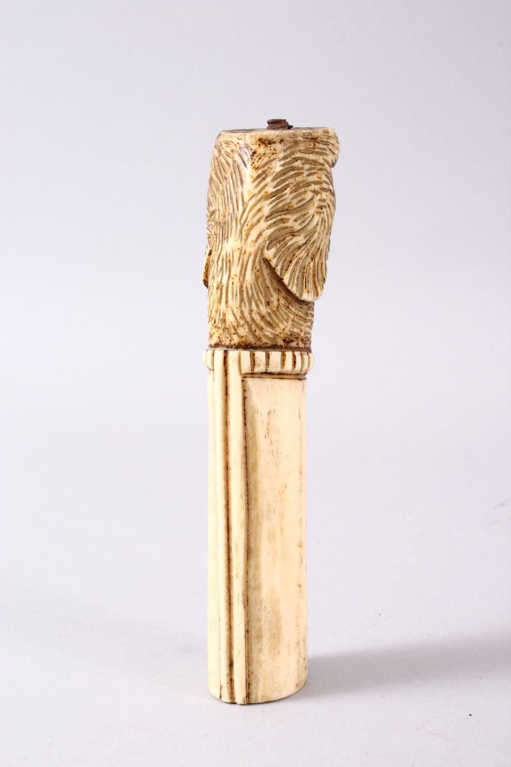 A 19TH CENTURY INDIAN MUGHAL CARVED IVORY BIRD FORMED DAGGER HANDLE, 13cm. - Image 4 of 6